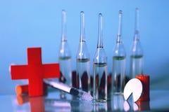 Ιατρική σύριγγα φιαλλιδίων Στοκ Εικόνες