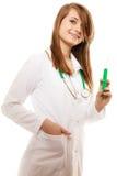 ιατρικός Γιατρός γυναικών στο παλτό εργαστηρίων με τη σύριγγα Στοκ φωτογραφία με δικαίωμα ελεύθερης χρήσης
