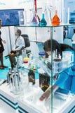 Ιατρικός και εργαστηριακός εξοπλισμός στην έκθεση Στοκ Φωτογραφία