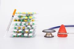 Ιατρικό φάρμακο και ιατρικό εργαλείο Στοκ εικόνα με δικαίωμα ελεύθερης χρήσης