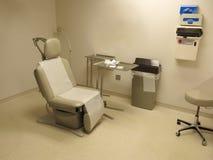 Ιατρικό δωμάτιο γραφείων εξέτασης γιατρών ή νοσοκομείων Στοκ Εικόνα