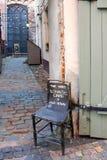 διαφημιστικός πίνακας στην παλαιά καρέκλα Στοκ φωτογραφίες με δικαίωμα ελεύθερης χρήσης