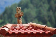 διαφραγμάτων διαγώνιο ροών πηγών ατόμων ύδωρ πετρών μοναστηριών s ιερό στοκ εικόνες