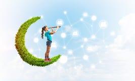 Ιδέα της επικοινωνίας Διαδικτύου παιδιών ή on-line του παιχνιδιού και του ελέγχου γονέων Στοκ Εικόνες