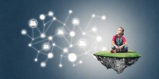 Ιδέα της επικοινωνίας Διαδικτύου παιδιών ή on-line του παιχνιδιού και του PA Στοκ φωτογραφίες με δικαίωμα ελεύθερης χρήσης