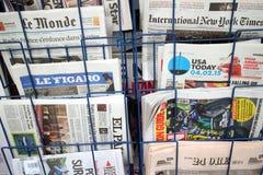διεθνείς εφημερίδες Στοκ εικόνες με δικαίωμα ελεύθερης χρήσης