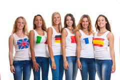 Διεθνείς teens και σημαίες. Στοκ Φωτογραφίες