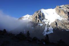 Ιερά βουνά στην ανατολή στοκ φωτογραφία με δικαίωμα ελεύθερης χρήσης
