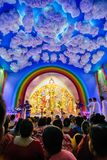 Ιερέας που προσεύχεται στη θεά Durga στο φεστιβάλ Durga Puja Στοκ εικόνα με δικαίωμα ελεύθερης χρήσης