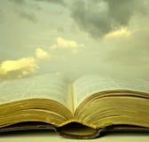 Ιερή ανάγνωση Στοκ φωτογραφία με δικαίωμα ελεύθερης χρήσης