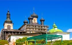 Ιερή αναζοωγόνηση Χριστού εκκλησιών και καθεδρικών ναών τριάδας στο μοναστήρι Goritsy της περιοχής Vologda αναζοωγόνησης, της Ρωσ Στοκ Φωτογραφία