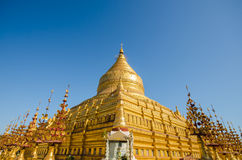 Ιερή παγόδα Shwezigon στη archeological περιοχή Bagan Στοκ φωτογραφία με δικαίωμα ελεύθερης χρήσης