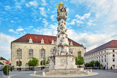 Ιερή στήλη τριάδας κοντά στην εκκλησία StMatthias στη Βουδαπέστη μια από Στοκ φωτογραφίες με δικαίωμα ελεύθερης χρήσης