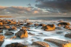 Ιεροί βράχοι Sunkissed νησιών στοκ εικόνες με δικαίωμα ελεύθερης χρήσης