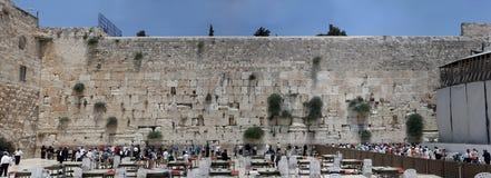 Ιερουσαλήμ, Ισραήλ, 06 07 2007 προσευμένος άνθρωποι από το δυτικό τοίχο στην Ιερουσαλήμ στοκ εικόνες