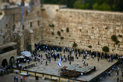 Ιερουσαλήμ - 15 Νοεμβρίου 2016: Άνθρωποι κοντά στον τοίχο Wailing μέσα Στοκ Φωτογραφίες