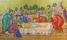 Ιερουσαλήμ - το μωσαϊκό της σκηνής Anointing πέρα από το Stone Anointing στην εκκλησία του ιερού τάφου Στοκ Φωτογραφία