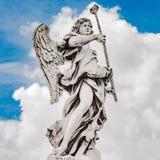 Ιερός άγγελος με στη γέφυρα Άγιος Angelo, Ρώμη, Ιταλία Στοκ Φωτογραφία