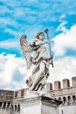Ιερός άγγελος με στη γέφυρα Άγιος Angelo, Ρώμη, Ιταλία Στοκ φωτογραφία με δικαίωμα ελεύθερης χρήσης
