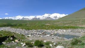 Ιερό βουνό Anymachen χιονιού στο θιβετιανό οροπέδιο Στοκ εικόνα με δικαίωμα ελεύθερης χρήσης