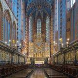 Ιερό και apse της βασιλικής του ST Mary με το Veit Stoss altarpiece στην Κρακοβία, Πολωνία στοκ φωτογραφία με δικαίωμα ελεύθερης χρήσης