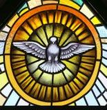 Ιερό πνεύμα στο λεκιασμένο γυαλί στοκ φωτογραφία με δικαίωμα ελεύθερης χρήσης