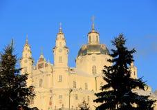 Ιερό Dormition Pochayiv Lavra στην ηλιοφάνεια πρωινού Στοκ Εικόνες