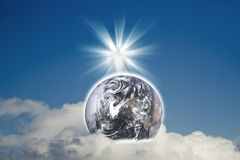 Ιησούς με τη γη (γήινα στοιχεία αυτής της εικόνας που εφοδιάζεται από τη NASA) Στοκ φωτογραφία με δικαίωμα ελεύθερης χρήσης