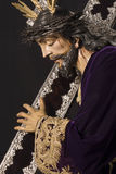 Ιησούς με το μαόνι και ασημένιος σταυρός στον ώμο Στοκ Εικόνες