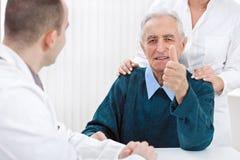 Ικανοποιημένος ασθενής στο ασθενοφόρο Στοκ Εικόνα
