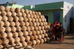 Ινδικά δοχεία στοκ φωτογραφία με δικαίωμα ελεύθερης χρήσης