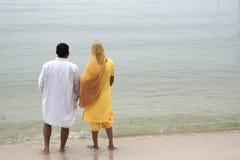 ινδική παραλία ζευγών Στοκ φωτογραφίες με δικαίωμα ελεύθερης χρήσης
