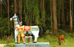 Ινδικός του χωριού Θεός του γενναίου αγάλματος ατόμων αλόγων Στοκ Εικόνες