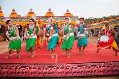 ινδικός φυλετικός χορού στοκ φωτογραφία
