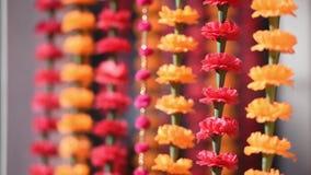 Ινδικό γαμήλιο παραδοσιακό floral ντεκόρ φιλμ μικρού μήκους