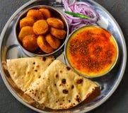 Ινδικό χορτοφάγο γεύμα - βόρεια ινδική κύρια σειρά μαθημάτων Στοκ φωτογραφίες με δικαίωμα ελεύθερης χρήσης