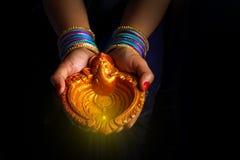 Ινδικό diwali φεστιβάλ, λαμπτήρας υπό εξέταση στοκ εικόνα με δικαίωμα ελεύθερης χρήσης