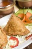 ινδικό samosa πατατών τροφίμων Στοκ εικόνα με δικαίωμα ελεύθερης χρήσης