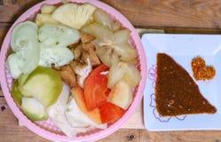 Ινδονησιακό παραδοσιακό πρόχειρο φαγητό, manis Rujak: Ινδονησιακή ορθογραφία, έκδοση 6 Στοκ Φωτογραφία