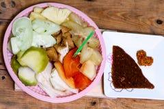 Ινδονησιακό παραδοσιακό πρόχειρο φαγητό, manis Rujak: Ινδονησιακή ορθογραφία, έκδοση 7 Στοκ Εικόνες