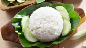 Ινδονησιακό τηγανισμένο ρύζι κοτόπουλου φιλμ μικρού μήκους