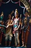 Ινδές θεότητες αγαλμάτων στη στέγη του ναού μέσα στις σπηλιές Batu Σπηλιές Batu - ένα συγκρότημα των σπηλιών ασβεστόλιθων στη Κου Στοκ Εικόνες