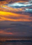 Ινδία, Goa Καταπληκτικός, παγκοσμίως διάσημο ηλιοβασίλεμα στην παραλία Colva Στοκ Φωτογραφία