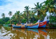 Ινδικά αλιευτικά σκάφη στο Κεράλα στοκ φωτογραφίες
