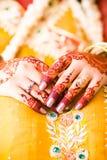 Ινδικά χέρια νυφών Στοκ Φωτογραφία