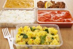 Ινδικά take-$l*away τρόφιμα Στοκ εικόνες με δικαίωμα ελεύθερης χρήσης