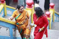 Ινδικές γυναίκες στις σπηλιές Batu Στοκ Εικόνες