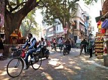 Ινδικές οδοί Varanasi στοκ εικόνα με δικαίωμα ελεύθερης χρήσης