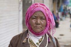 Ινδική γυναίκα επαιτών στην οδό σε Leh, Ladakh Ινδία Στοκ φωτογραφίες με δικαίωμα ελεύθερης χρήσης