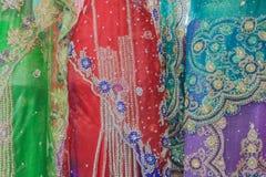 Ινδική λεπτομέρεια χρωμάτων φορεμάτων Στοκ Φωτογραφίες